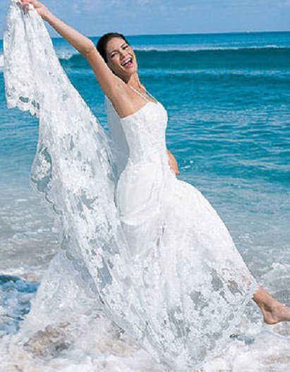 : beach wedding attire for women