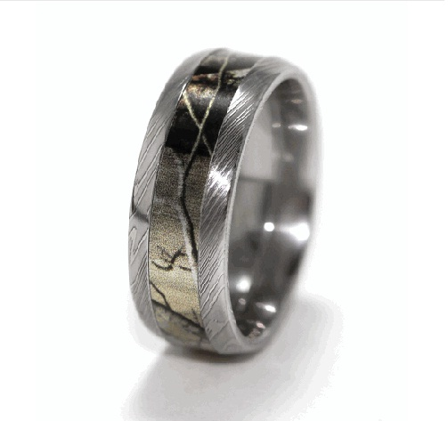 : camo wedding rings set