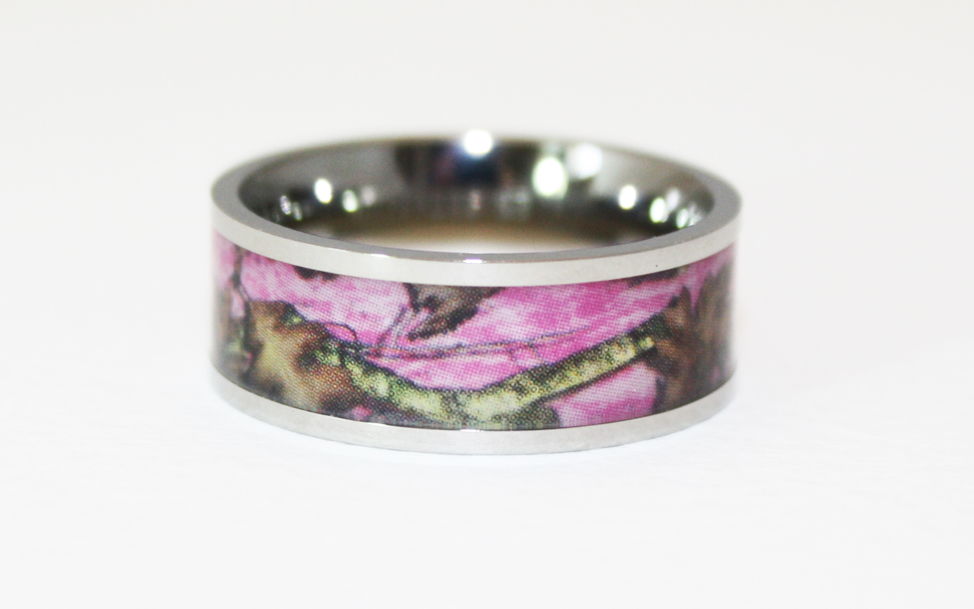 : camouflage wedding bands