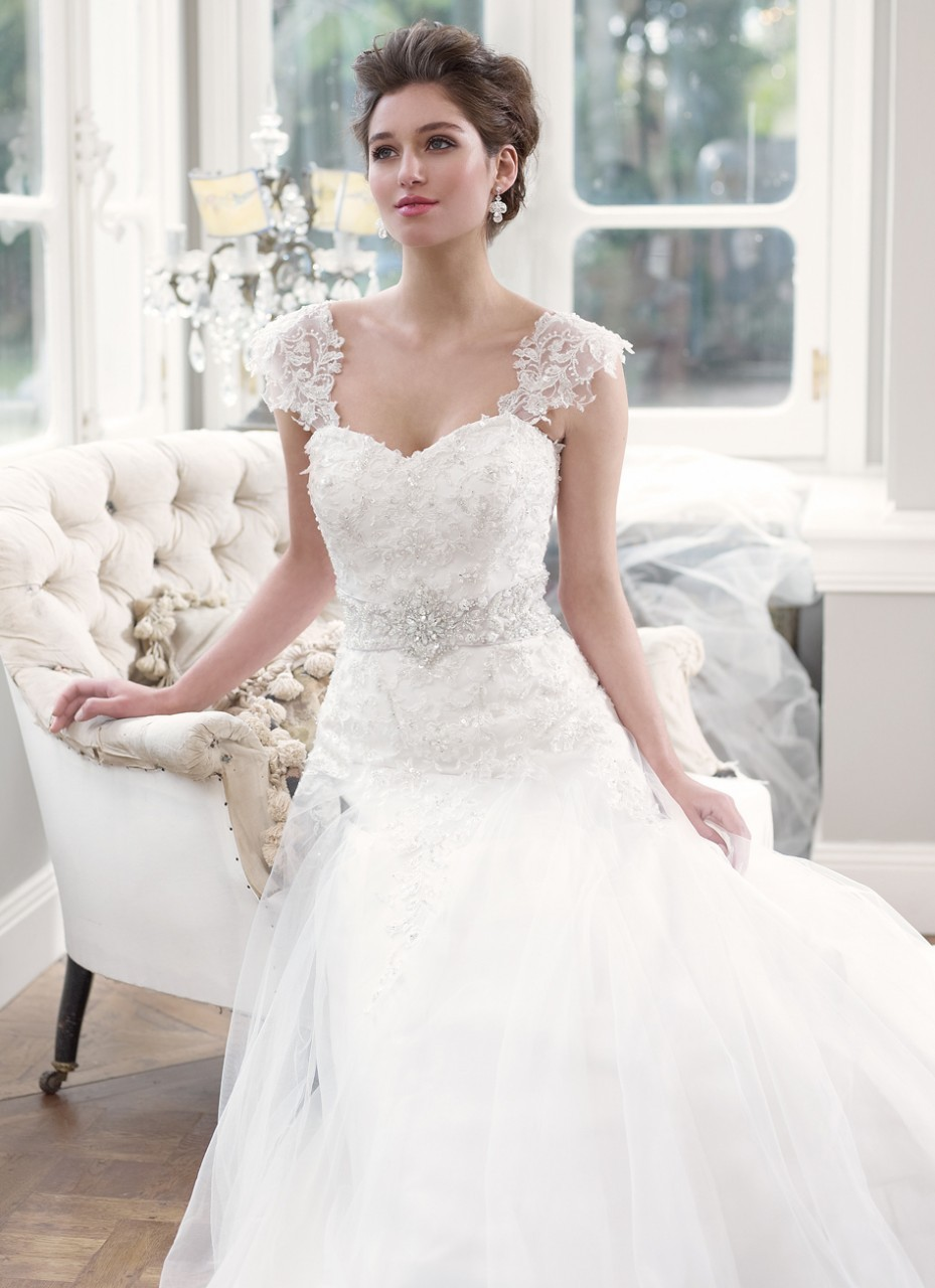 : capped sleeve wedding dress