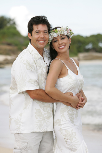 : hawaiian wedding attire