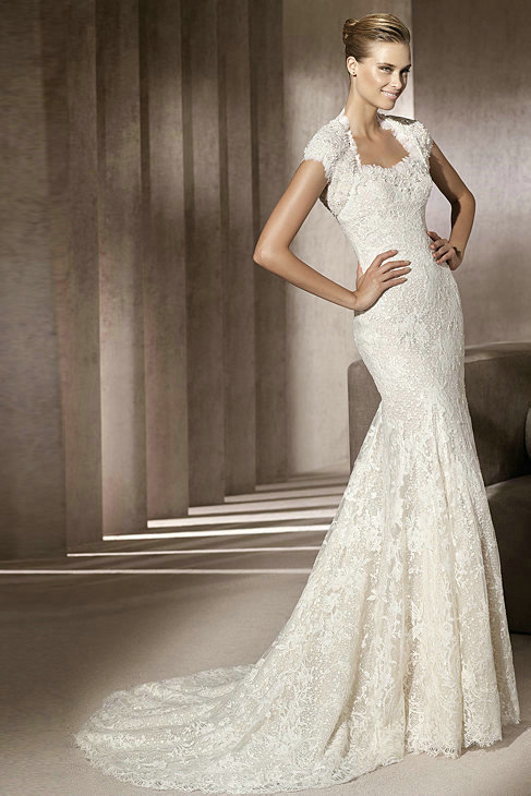 : lace wedding dress with cap sleeves