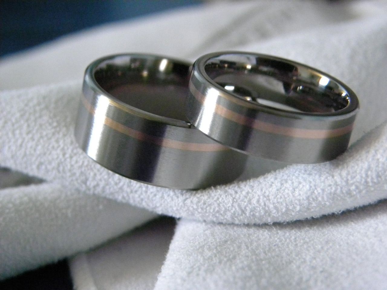 : matching titanium wedding bands