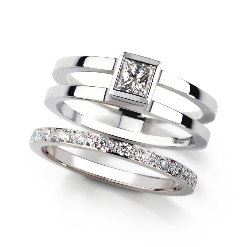 : matching wedding rings uk