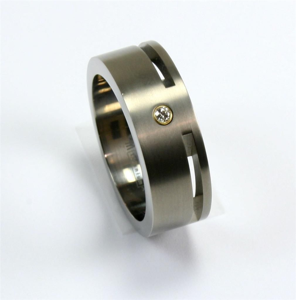 : men titanium wedding bands
