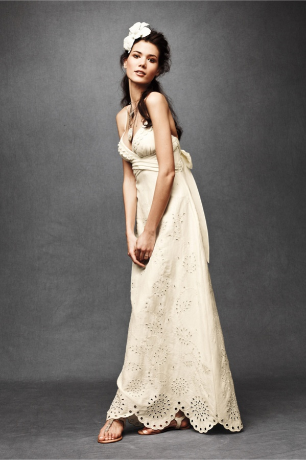 : wedding dresses for a courthouse wedding