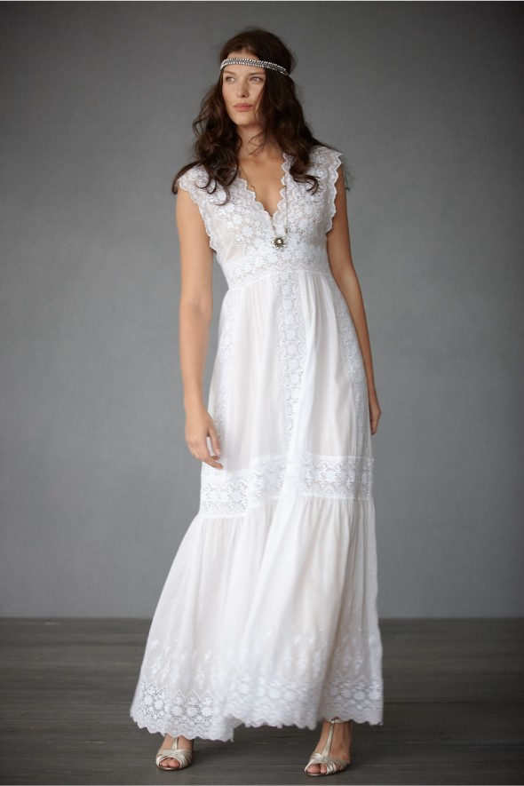 : wedding dresses for rustic wedding