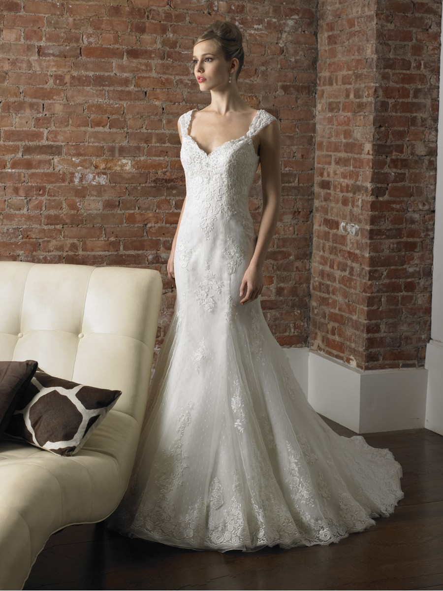 Reason of Choosing Cap Sleeve Wedding Dress