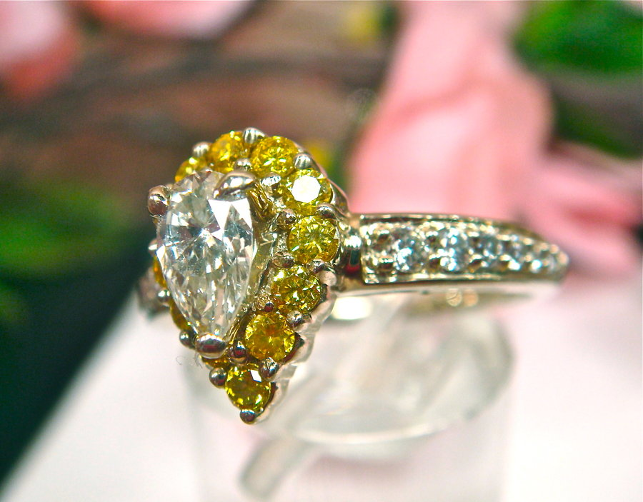 : canary diamonds rings