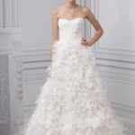 : monique lhuillier wedding dress designers